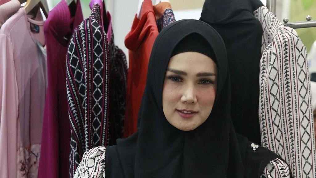 Mulan-Maia Estianty Posting Keadaan di Jalan, Netizen Tak Respek