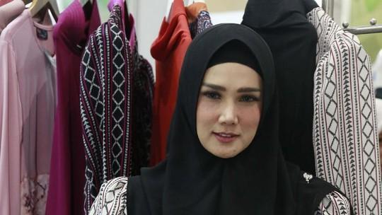 Mulan Jameela Ogah Komentari Pernikahan Maia Estianty