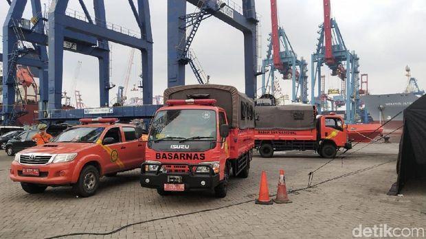 Akhiri operasi pencarian korban Lion Air, Basarnas bongkar tenda di JICT, Sabtu (11/11/2018)