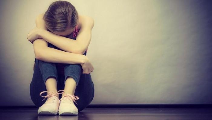 Pengunjung mal yang menyaksikan aksi bunuh diri bisa dibayangi trauma (Foto: iStock)