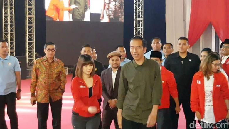 Jokowi: Ada dari Dalam Negeri Yang Menakut-nakuti Rakyat