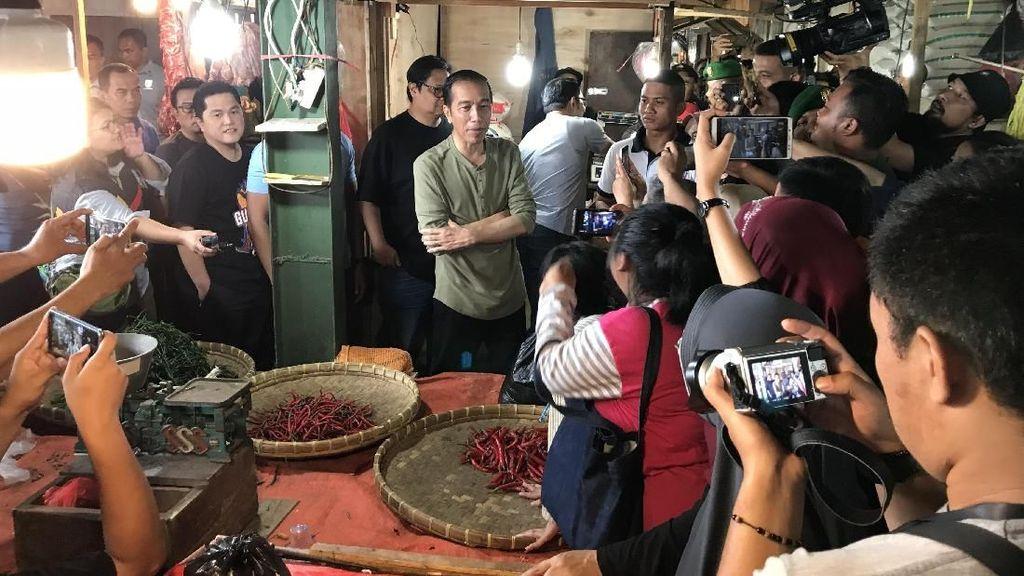 Blusukan ke Pasar, Jokowi: Harga di Tangerang, Bogor, Bandung Sama