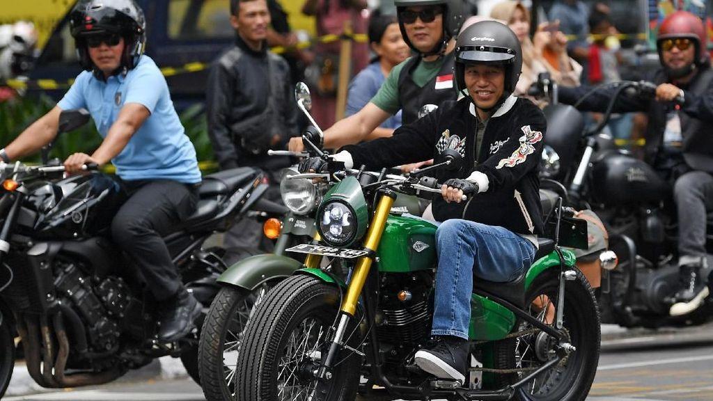 Jokowi Pakai Jaket Bubur Ayam Racer, Ini Dia Harga dan Mereknya