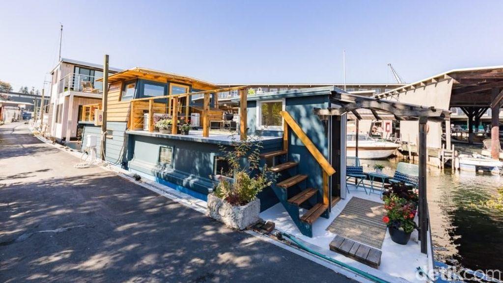 Penampakan Kapal Kecil Disulap Jadi Rumah yang Keren Banget