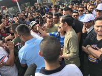 Awali Hari, Jokowi Belanja ke Pasar Ditemani Ridwan Kamil