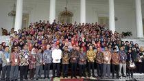 Jokowi Bertemu Peserta Kongres Pemuda di Istana Bogor