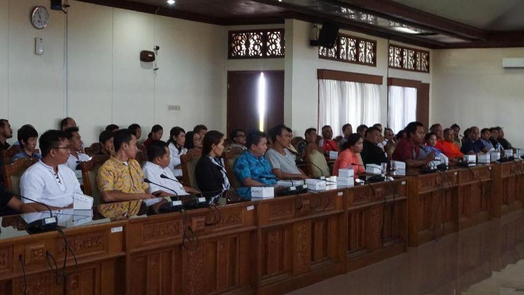 Gubernur Koster Tertibkan Toko Tiongkok, Warga Ngadu ke DPRD