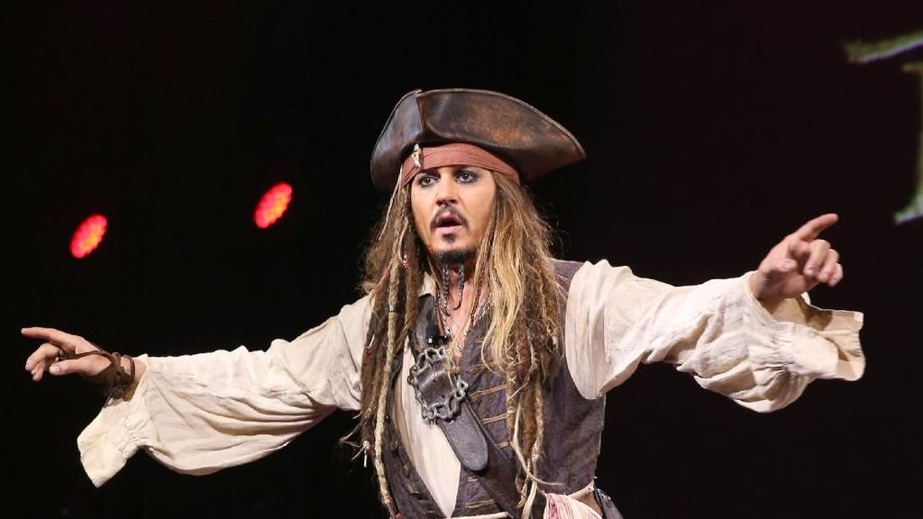 Cerita Johnny Depp yang Sauna Berjam-jam Demi Memerankan Jack Sparrow