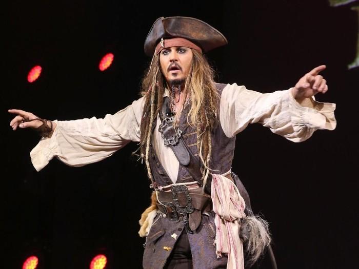 Cerita Johnny Depp yang Sauna Berjam-jam Demi Memerankan Jack Sparrow. Foto: Getty Images/Jesse Grant