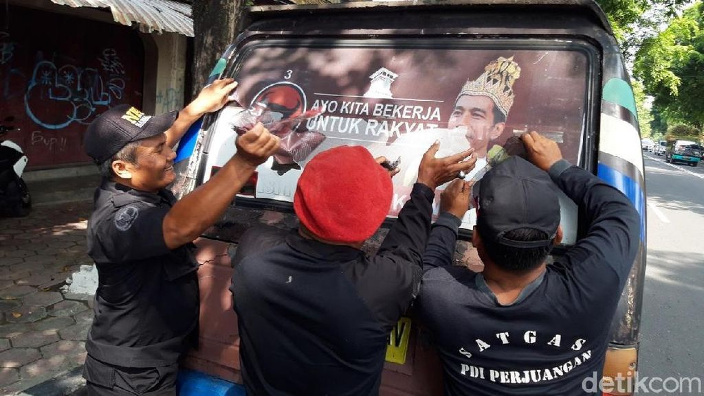PDIP Boyolali Juga Sapu Bersih Poster Raja Jokowi