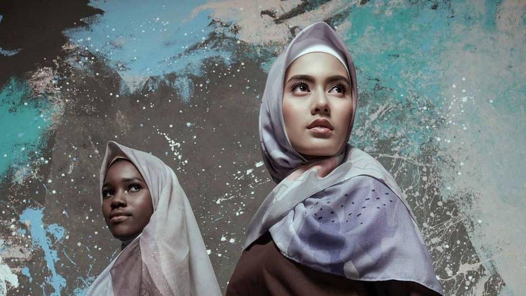 Kata Desainer, Warna Galaksi Akan Jadi Tren Hijab 2019