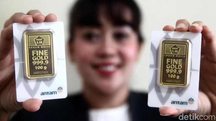 Harga emas batangan atau Logam Mulia milik PT Aneka Tambang Tbk (Antam) hari ini dijual Rp 654.000 per gram.
