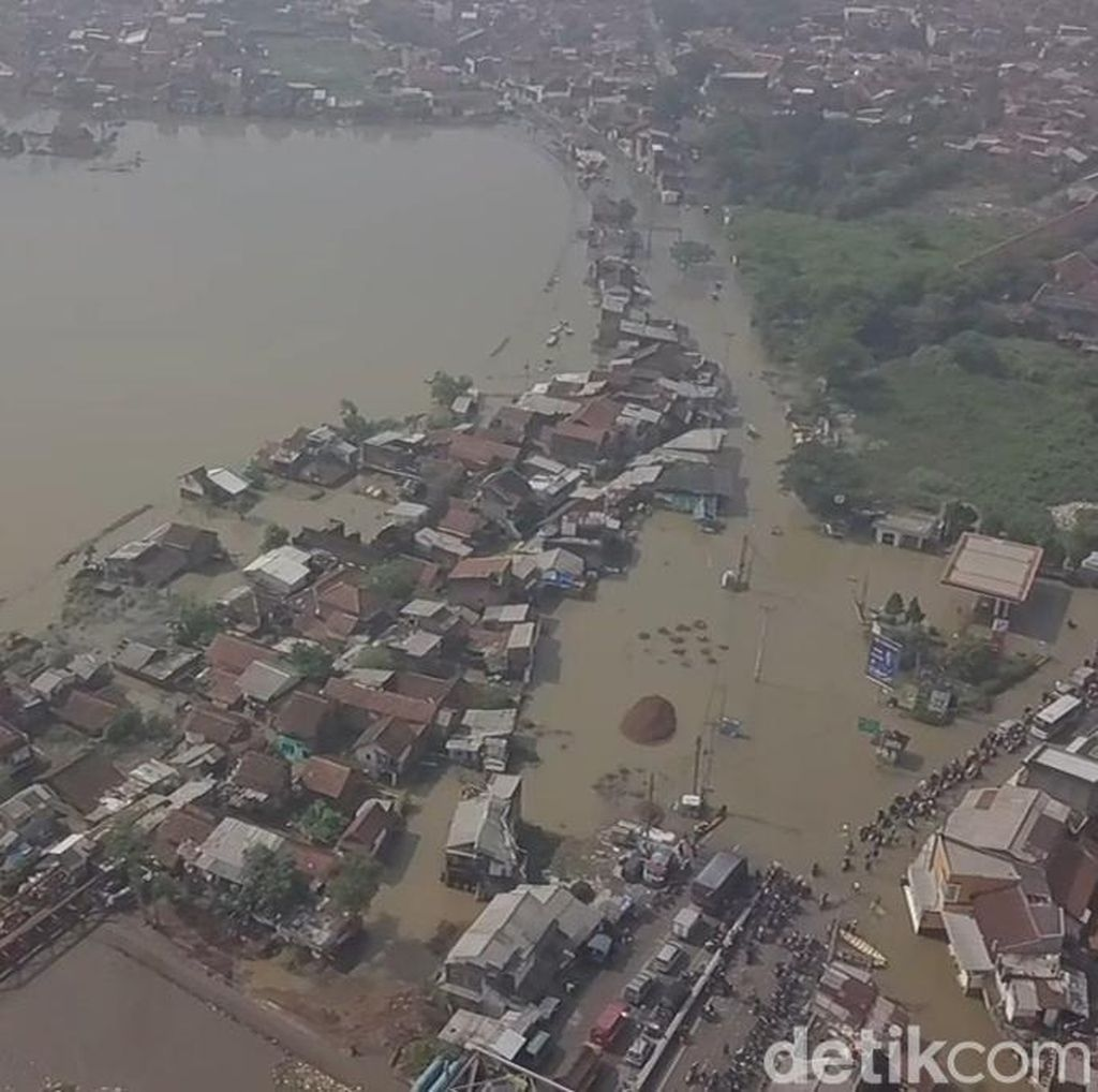 Sepanjang November Terjadi 83 Bencana Banjir-Longsor di Jabar