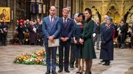 Melihat Kartu Natal Pangeran William dan Pangeran Harry