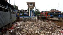 Cegah Banjir, Anies Siapkan Saringan Sampah Seperti Bendungan