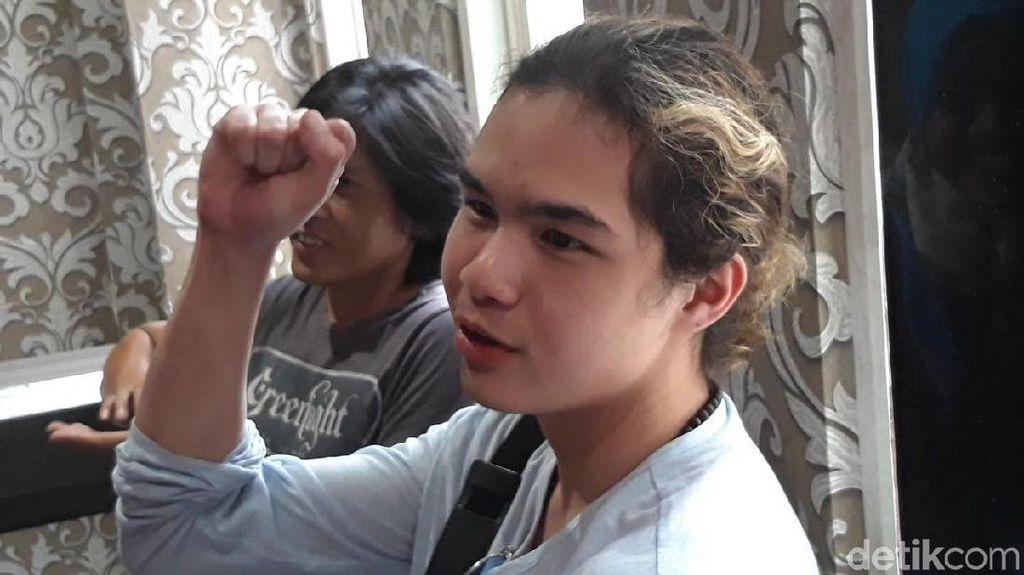 Selain Temani Dhani Serahkan Bukti, Ini Tujuan Dul ke Surabaya
