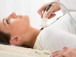 Dikira Radang, Rupanya Infeksi Makan Leher Wanita Ini Sampai Berlubang
