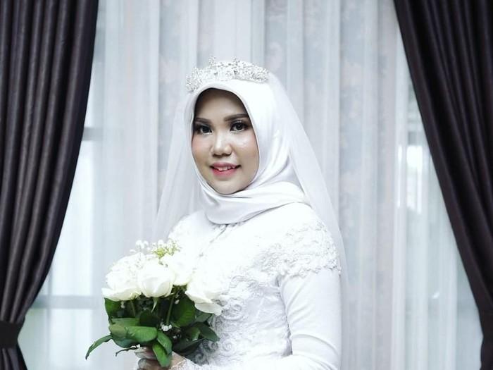Viral Potret Wanita Menikah Sendirian, Calon Suami Jadi Korban Lion Air. Foto: Dok. Instagram adielaorganizer.bangka