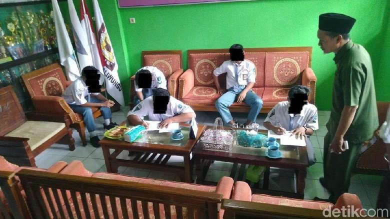 Kisah Pak Guru Joko Dibully Murid-muridnya yang Jadi Viral