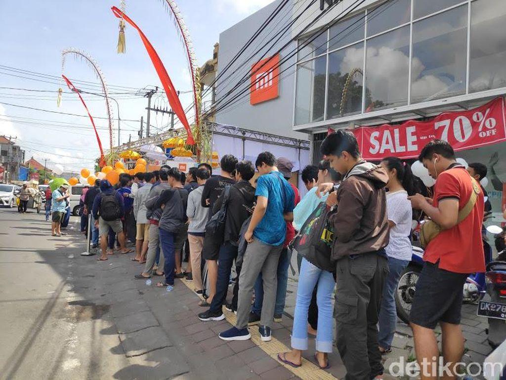 Authorized Mi Store Bali merupakan salah satu toko Xiaomi terbesar di Indonesia. Foto: Josina/detikINET