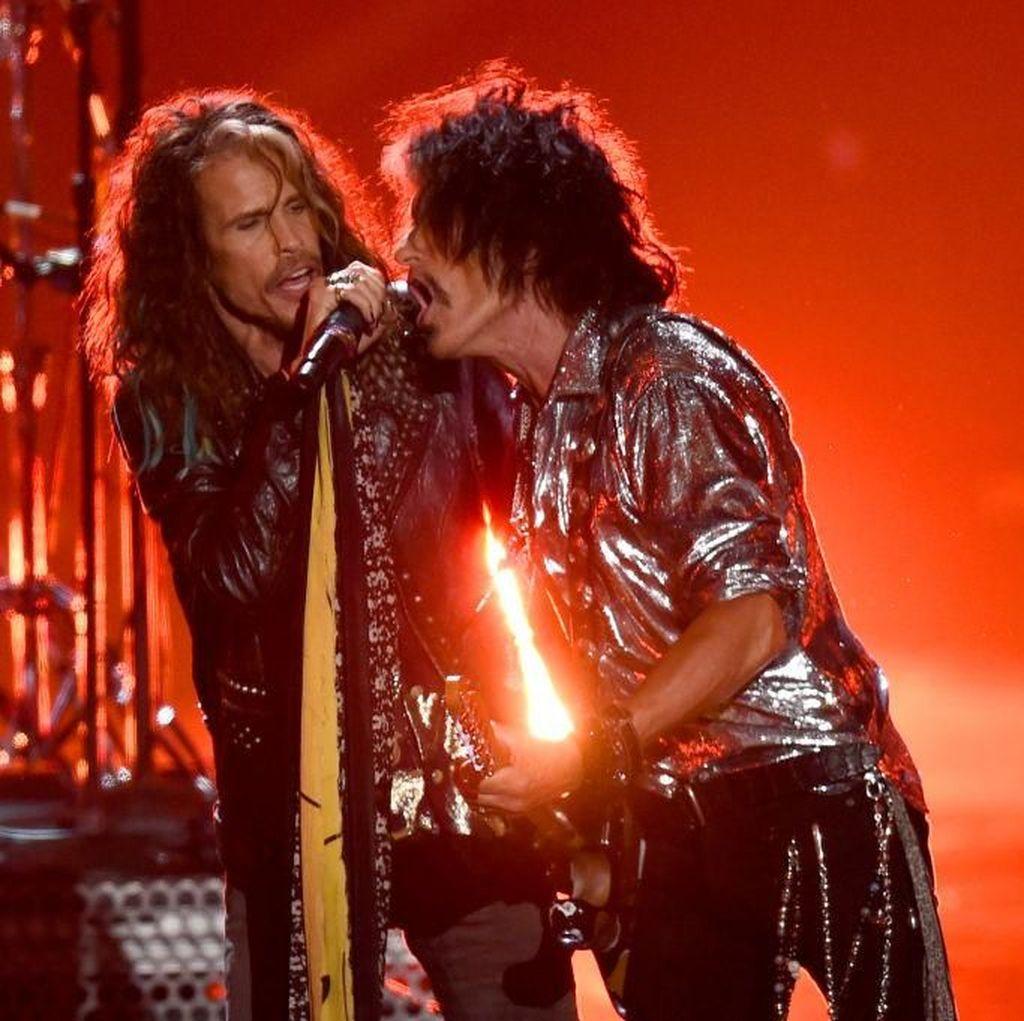 Tumbang Setelah Manggung, Joe Perry Aerosmith Dilarikan ke RS