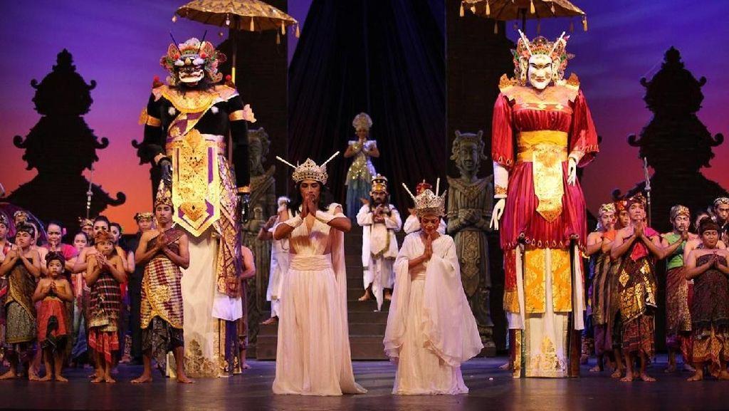 Seru! Di Bali Safari & Marine Park Bisa Nonton Satwa Main Teater