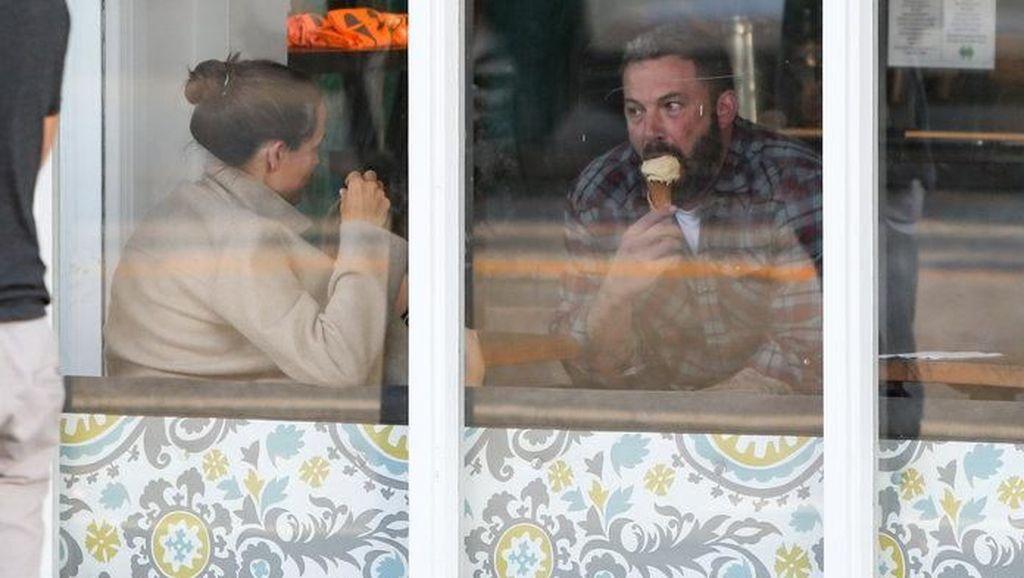 Meski Berperan Jadi Batman, Ben Affleck Tetap Suka Makan Es Krim dan Pizza