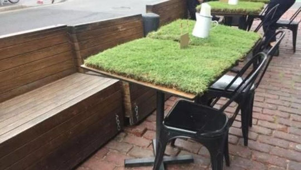 Taruh Rumput di Atas Meja, Restoran Ini Bikin Pengunjung Kesal