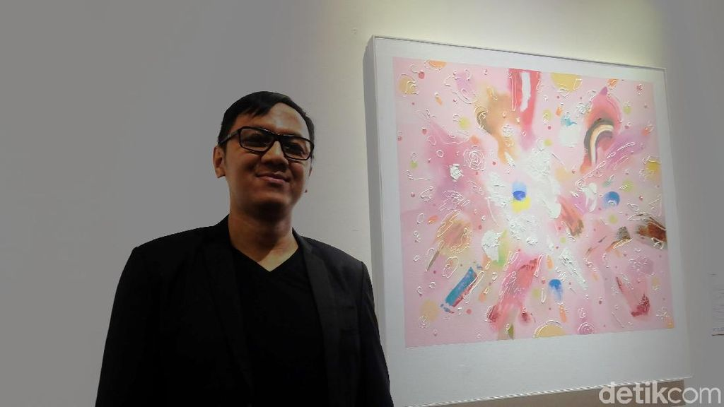 Yogie Achmad Ginanjar Bicara Ketegangan Rasial dalam Warna Pink