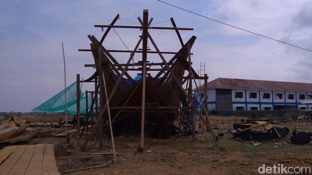 Kapal penakluk Laut Arafuru sedang dibuat