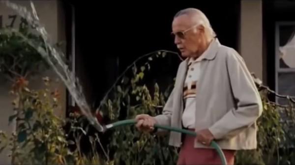 Di film X-Men: The Last Stand yang rilis tahun 2007, Stan Lee kembali jadi cameo yang tengah heran saat melihat air dari selangnya yang bergerak naik akibat kekuatan Jean Gray. Kemungkinan besar adegan ini diambil di Vancouver Film Studios, Kanada (Marvel Entertainment)