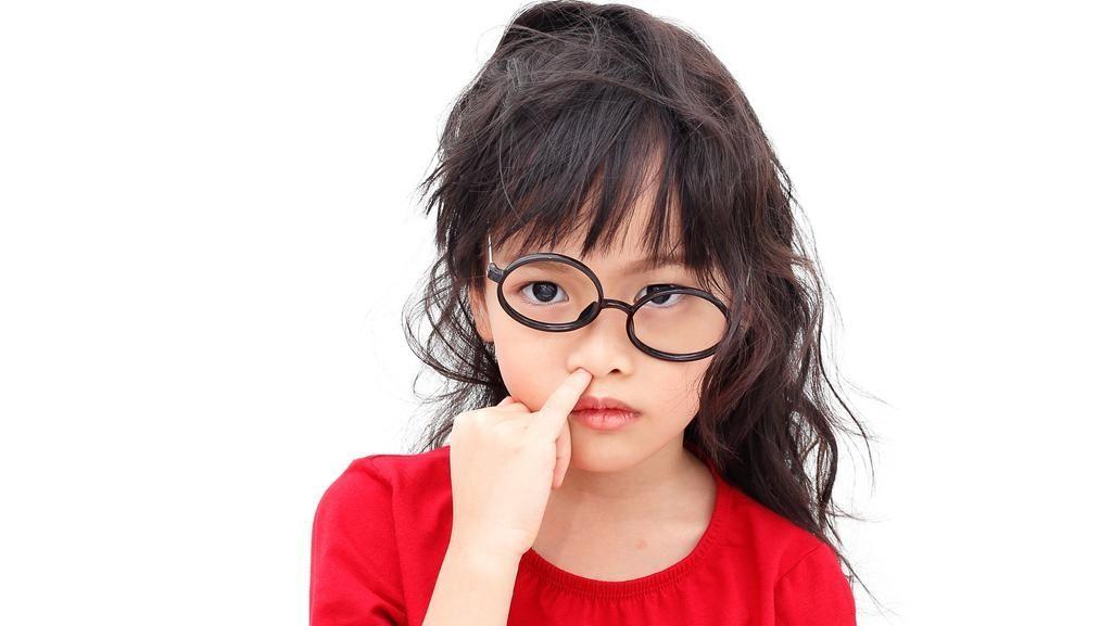 Tips Buat yang Suka Ngupil Agar Tak Kena Pneumonia