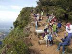 Jatuh dari Tebing Saat Selfie, Turis Jerman Meninggal di Sri Lanka