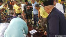 Korban Lion Air Asal Sukabumi Dikebumikan Dekat Makam Ayah