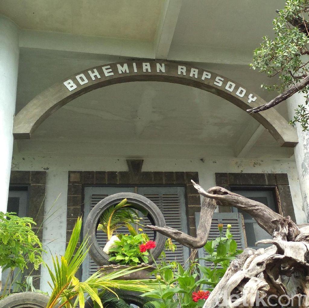 Foto: Gedung Bohemian Rapsody di Blitar yang Konon Berhantu