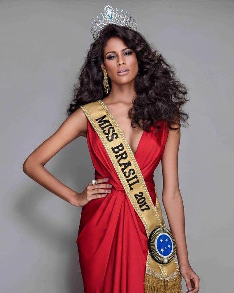 Monalysa Alcantara adalah Miss Brasil 2017 yang super seksi. Bisa mengatur waktu untuk liburan, ini gaya Monalysa. (monalysaalcantara/Instagram)