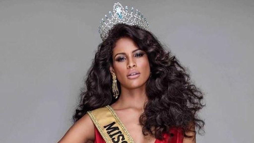 Foto: Liburannya Si Seksi Miss Brasil 2017