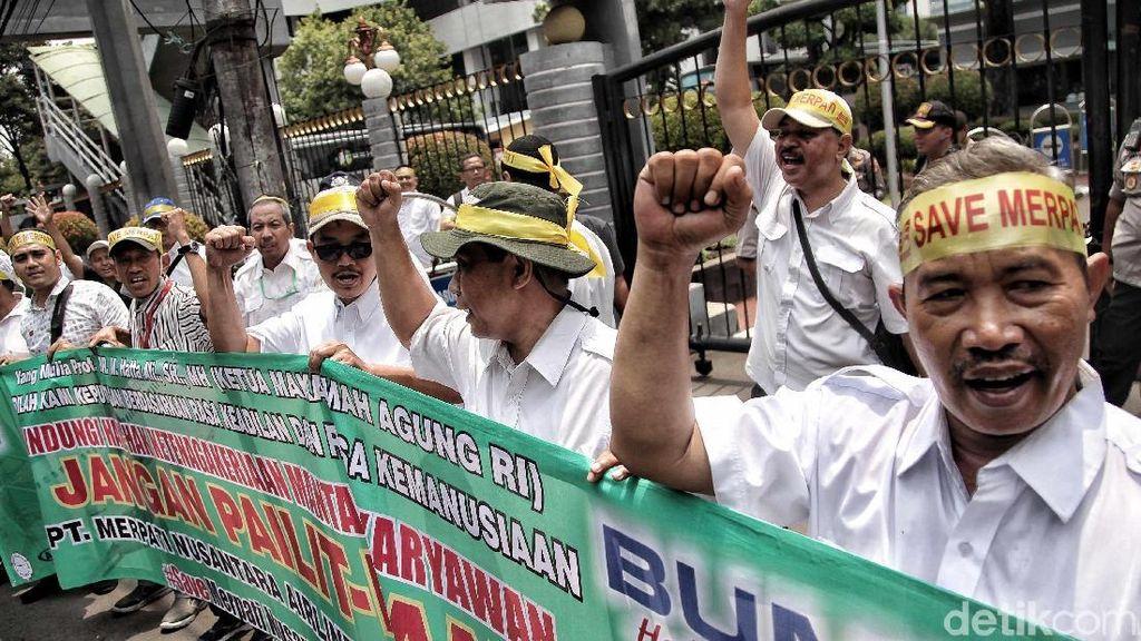 Eks Karyawan Merpati Berdemo di Kantor Sri Mulyani