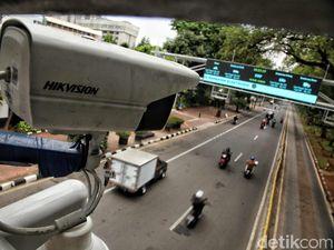 Mobil Lewat Jakarta Mesti Bayar Tahun Depan, Nasib Motor Bagaimana?
