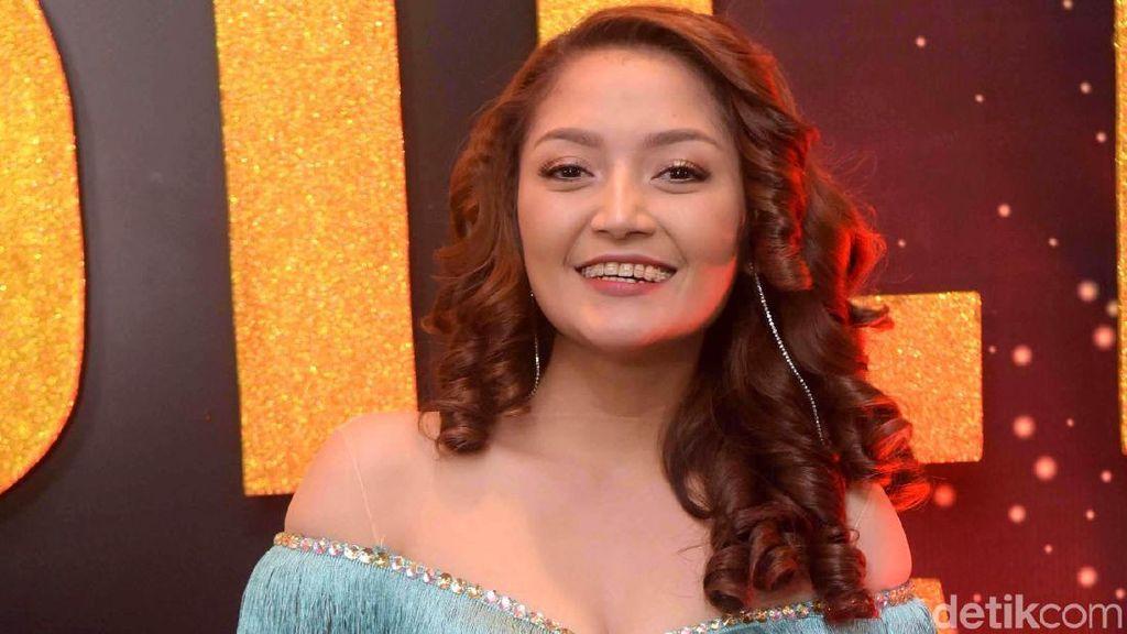 Siti Badriah Rayakan Setahun Lagi Syantik
