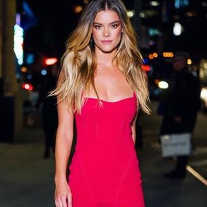 Si Cantik Nina, Model Lingerie yang Sempat Jadi Pelarian Cinta Adam Levine