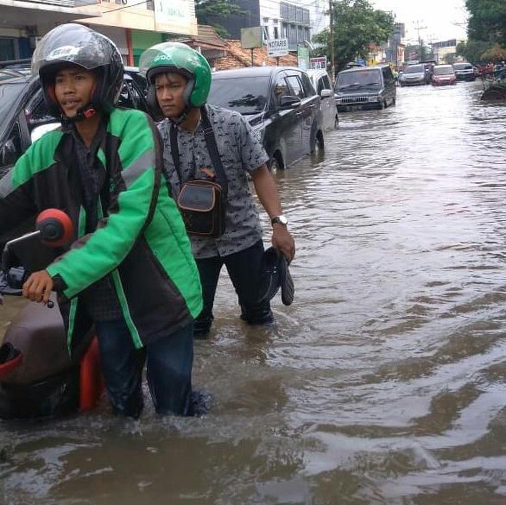 Penampakan Banjir Kepung Palembang Terparah 15 Tahun Terakhir
