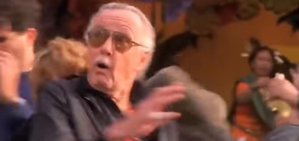 Di film Spiderman (Diperankan Tobey Maguire) yang rilis tahun 2002, Stan Lee hadir sebagai cameo yang melindungi seorang anak dari gedung yang meledak. Lokasinya berada di Manhattan, New York yang jadi tempat kelahiran Stan Lee (Spider-Man: The Motion Picture)