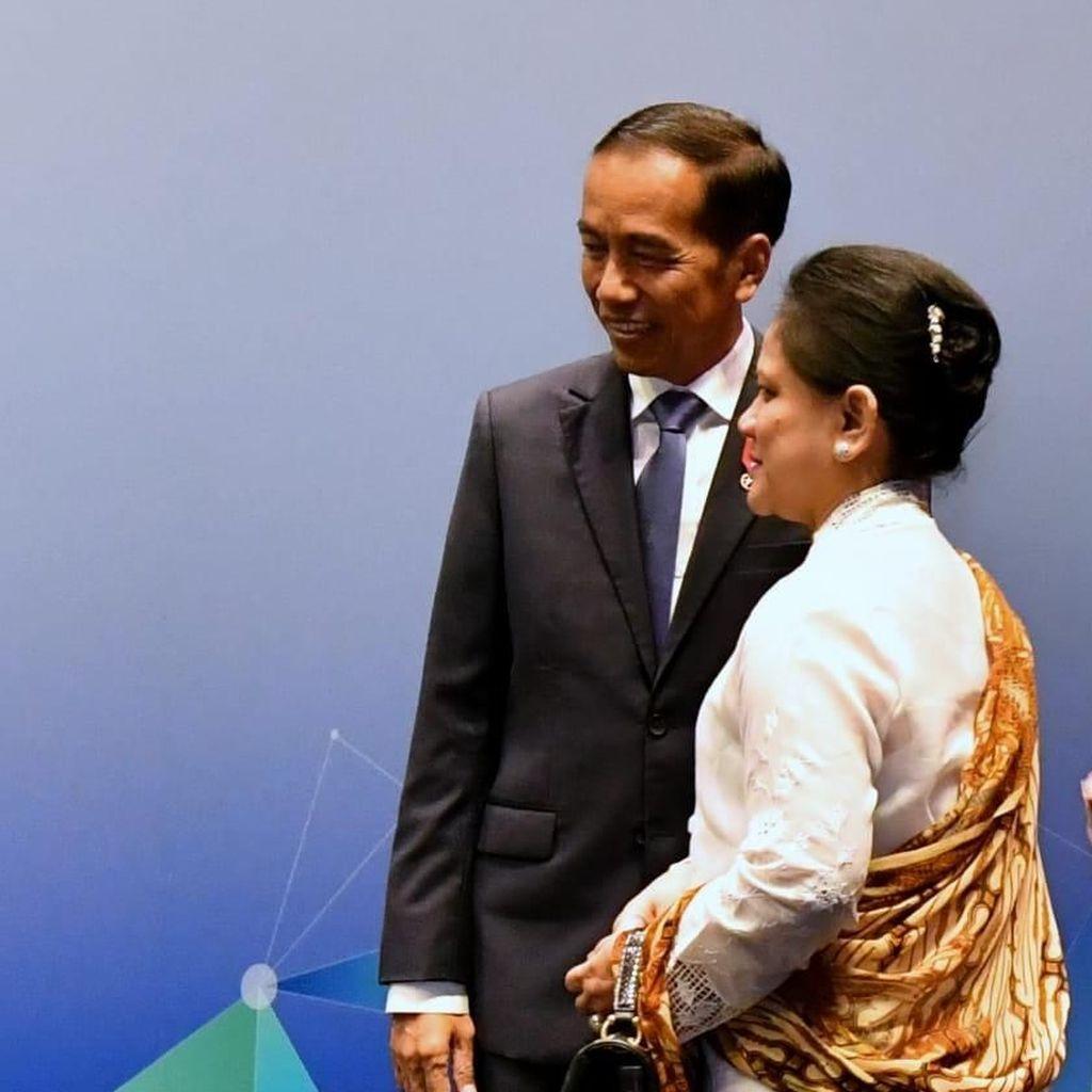 Didampingi Iriana, Jokowi Hadiri Pembukaan KTT ASEAN di Singapura