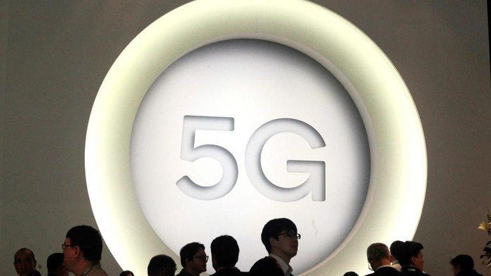 BARCELONA, SPAIN - FEBRUARY 27:  A 5G sign is pictured at the Quantum stand during the Mobile World Congress (MWC), the worlds biggest mobile fair, on February 27, 2018 in Barcelona. The Mobile World Congress is held in Barcelona from February 26 to March 1.(Photo by Miquel Benitez/Getty Images)