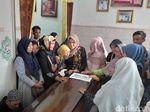 Hamil 4 Bulan, Istri Deryl Tak Kuasa Sambut Kedatangan Jenazah Suami