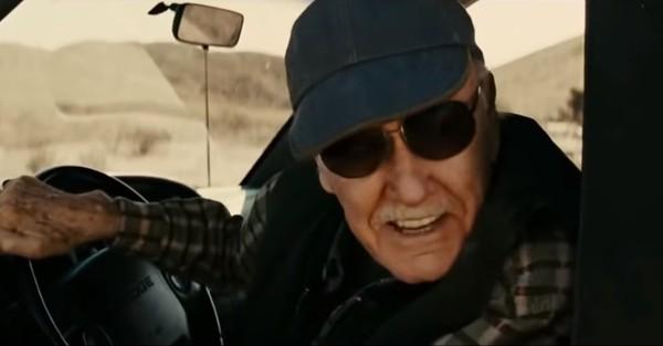 Dalam film Thor yang pertama rilis tahun 2011 silam, Stan Lee juga ikut ambil bagian sebagai driver yang ikut membantu menarik palu Thor dari tanah. Selain di studio, adegan itu diambil di New Mexico, AS (Marvel Studios)
