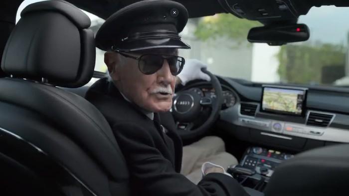 Saat Stan Lee Jadi Sopir dan Penumpang Mobil Mewah