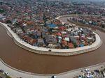 Mengapa Normalisasi Kali Ciliwung Mandek?