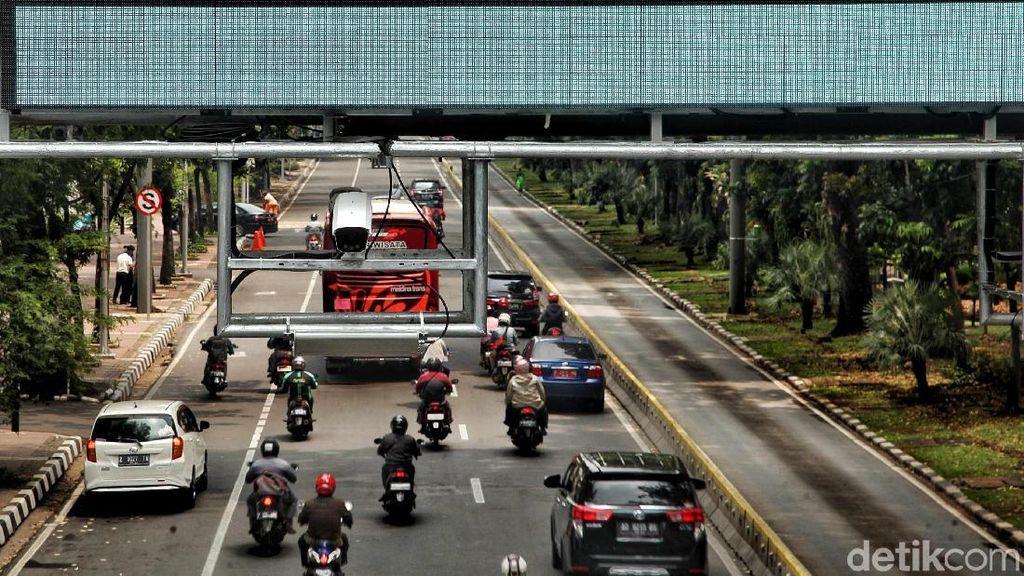 Mobil Masuk ke Jakarta Harus Bayar Maksimal Akhir 2019